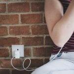 Telefoon opladen in muur